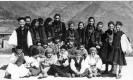 Παιδιά από την Δροσοπηγή με παραδοσιακές φορεσιές